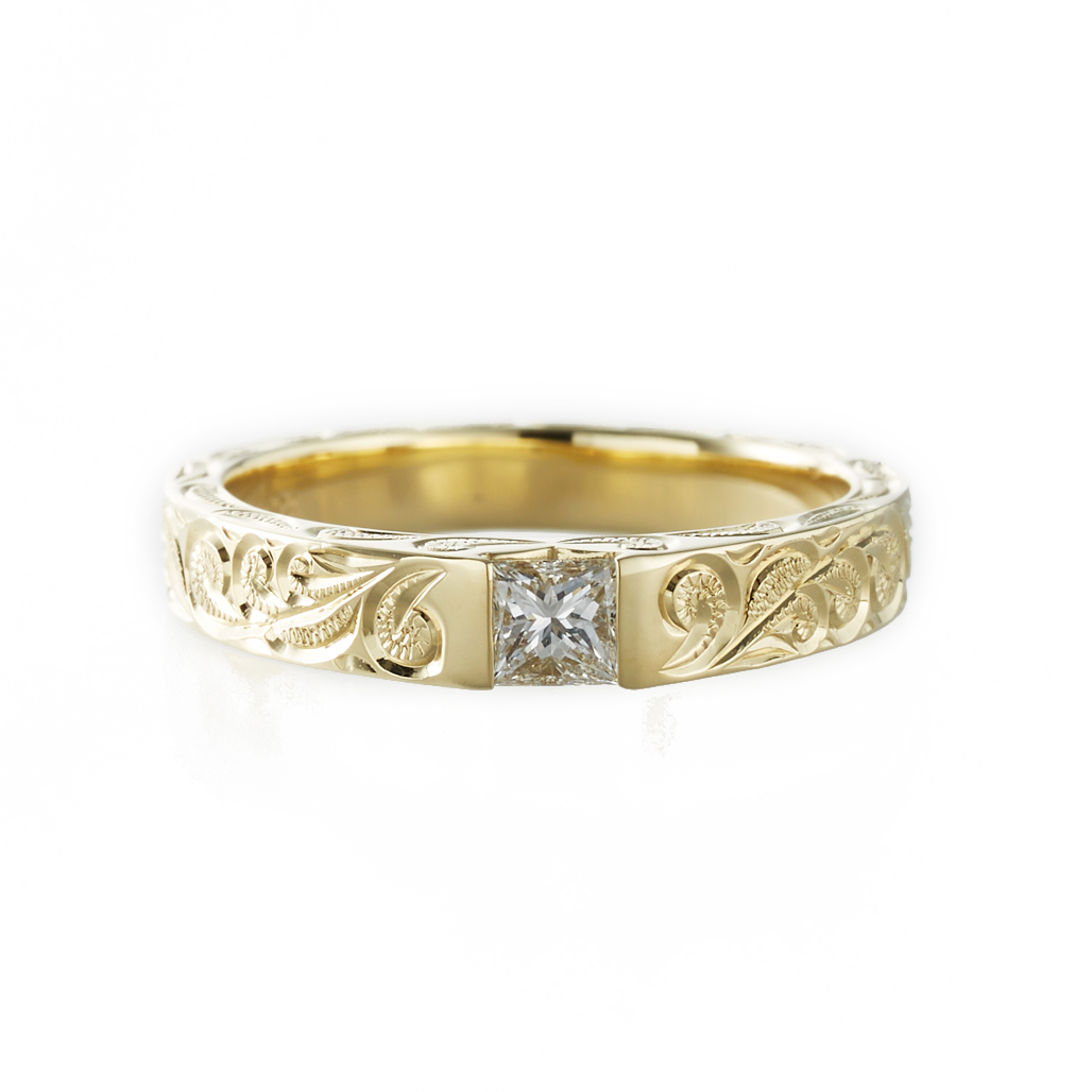 プリンセスカットダイヤのきらめき〔K18GG/0.25ctダイヤモンド〕マヒナリング